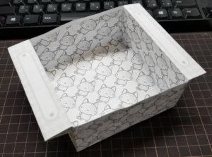紙箱・ネコさん